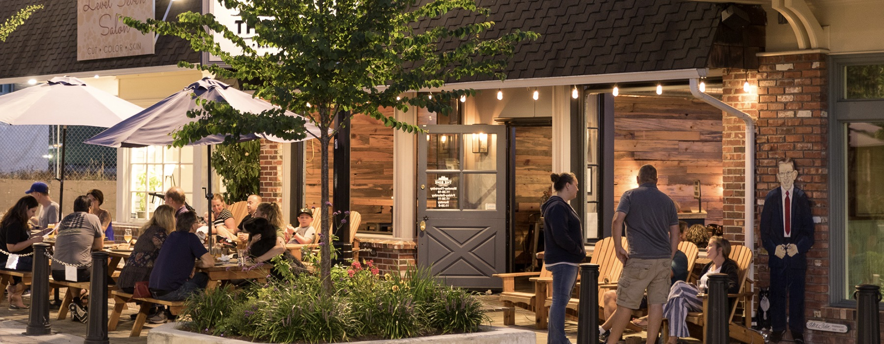 Walkable Downtown Bothell restaurants & retail.